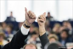 Work harder for gender equality, say MEPs_(c) European Parliament